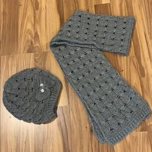 Gray sparkly Hat & scarf set